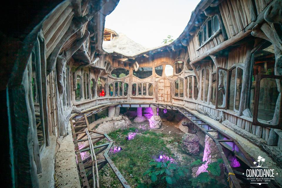 jungle party in a Dali-style tree house