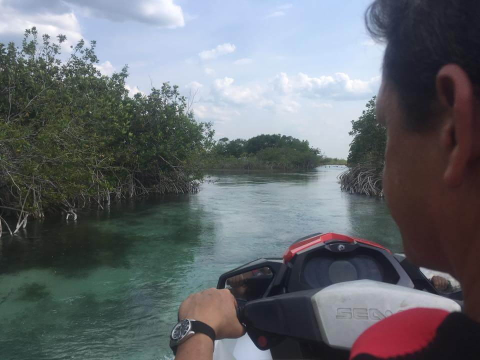 Group boat trips in Bacalar