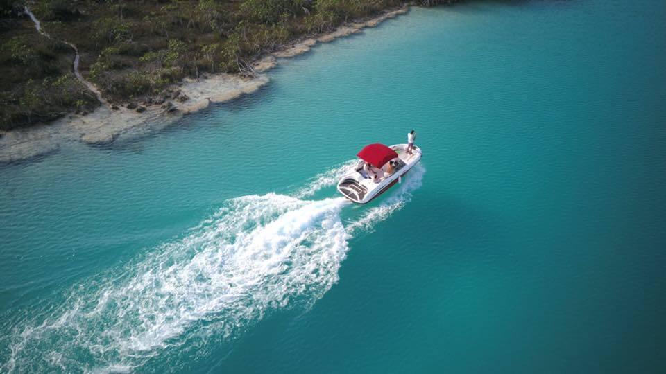 Boat driving towards Bacalar