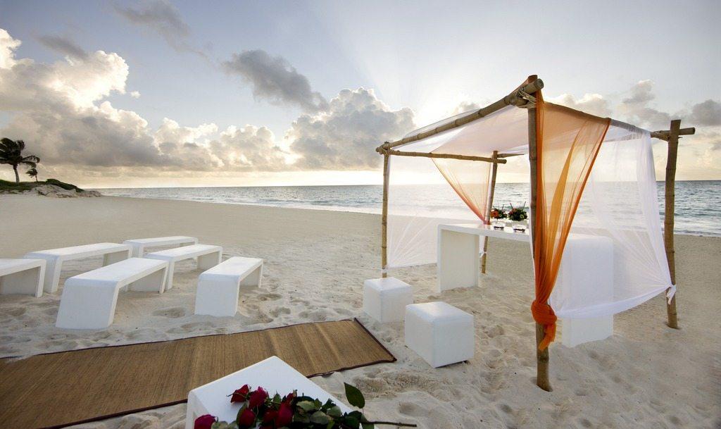 Banyan Tree Mayakoba Beach Wedding