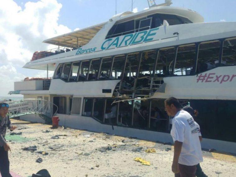 Boat crash in Playa del Carmen