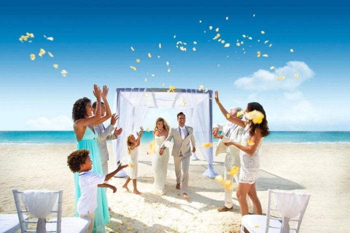 How to Get Married in Mexico on A Budget   Affordable Options