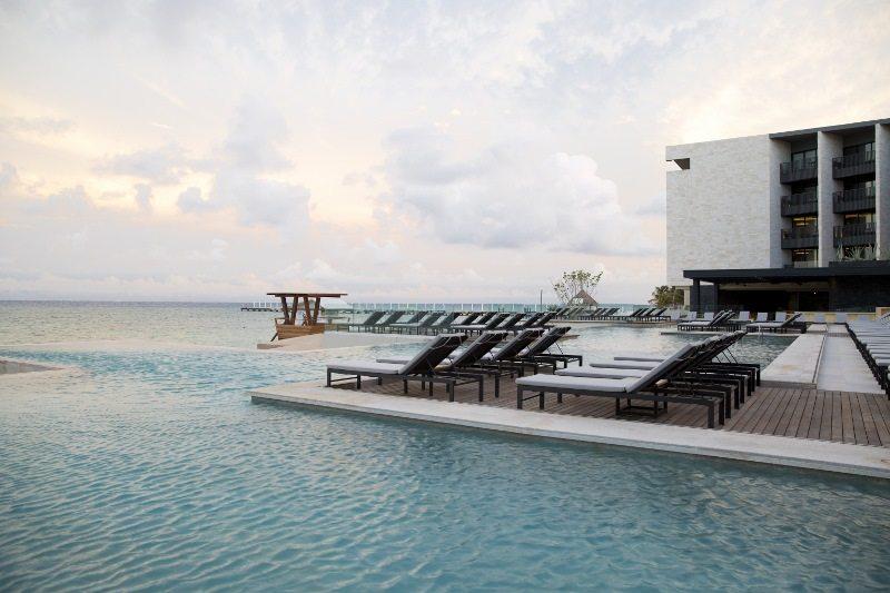 Grand Hyatt Playa del Carmen pool deck