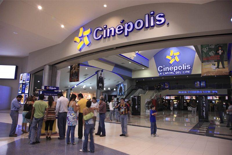 People at Cinepolis