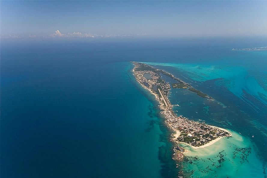 how to get to isla mujeres from cancun mexico