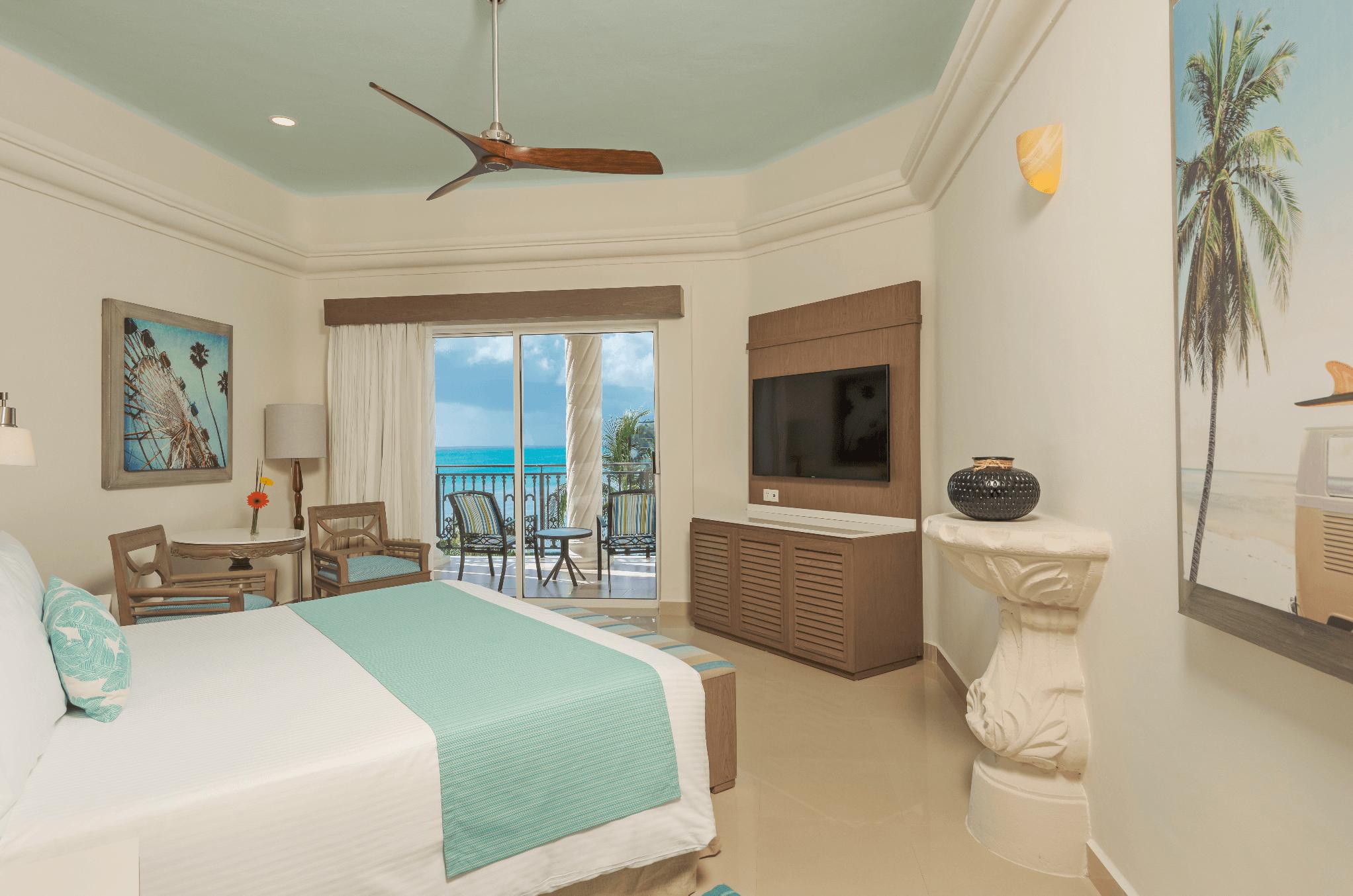 Panama Jack hotel room