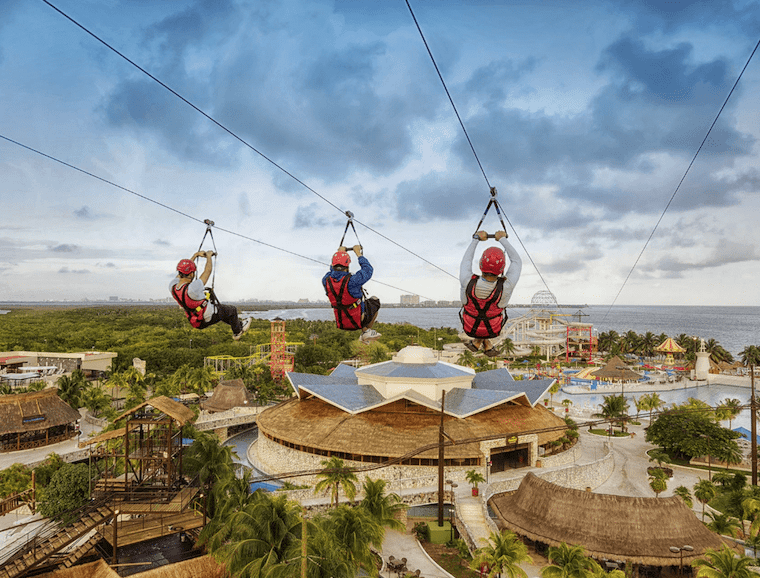 Skylining in cancun for kids