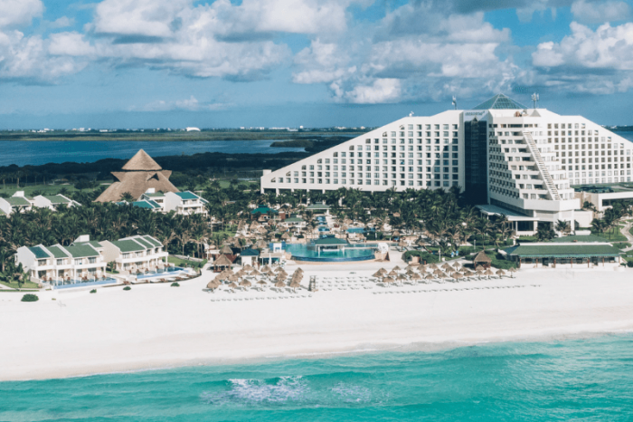 Weddings at Iberostar Selection Cancun | Our Honest Review (2021)