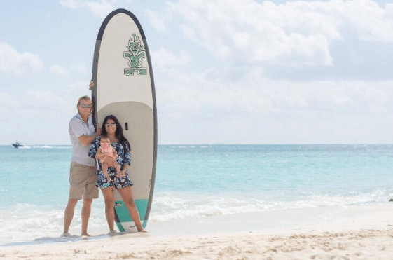 Couple in front of Stand-Up Paddle Boarding in Playa del Carmen