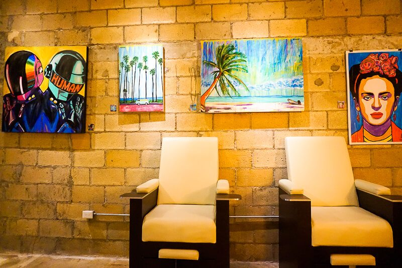 Art at The newest Playa del Carmen beauty salon: Glenn-Briggs