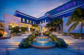 hard_rock_hotel_riviera_maya_stair-to-heaven-at-dusk