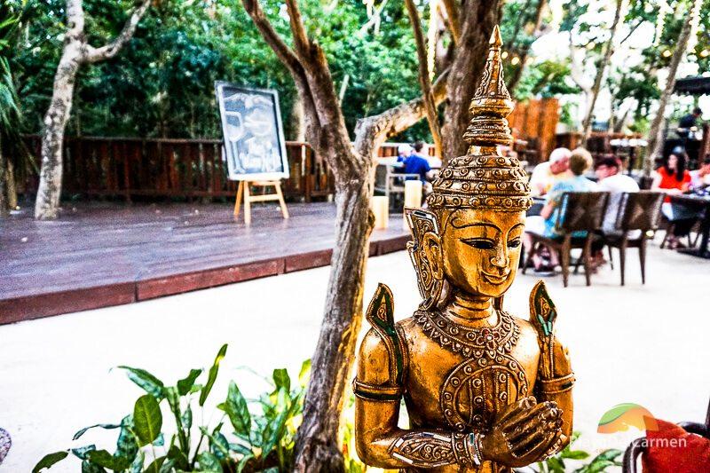 koh thai gold statues