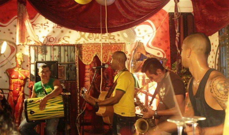 Musicians play Brazilian music at Le Lotus Rouge in Playa del Carmen