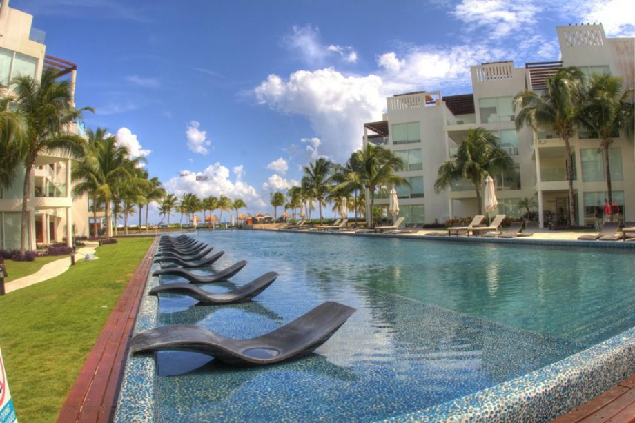 The top 15 playa del carmen resorts riviera maya hotels for The elements oceanfront beachside condo hotel