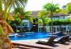 Le Reve Hotel pool