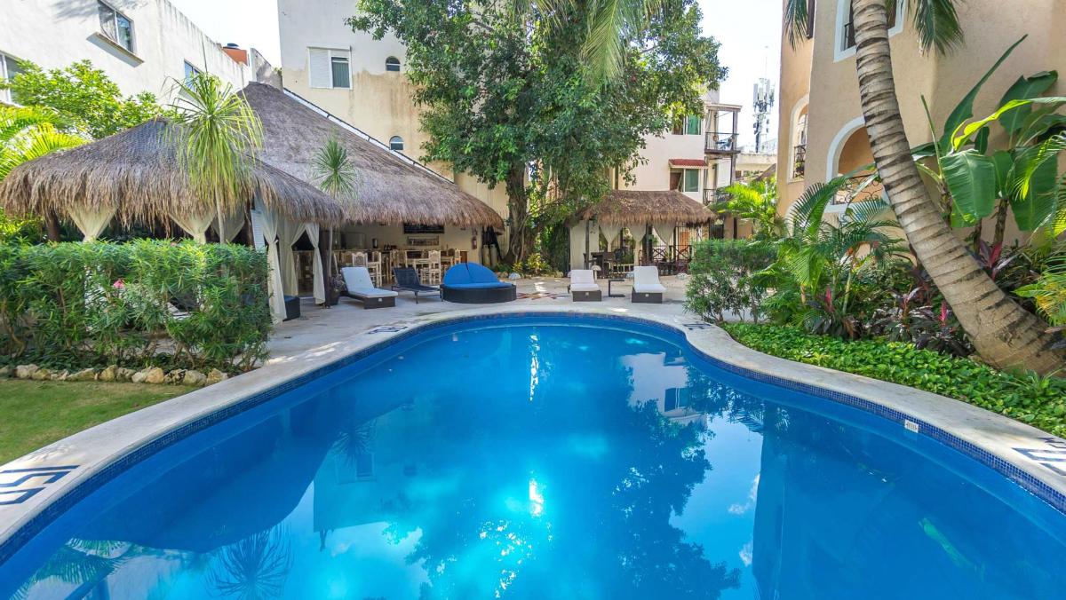 The Bric Hotel & Spa pool