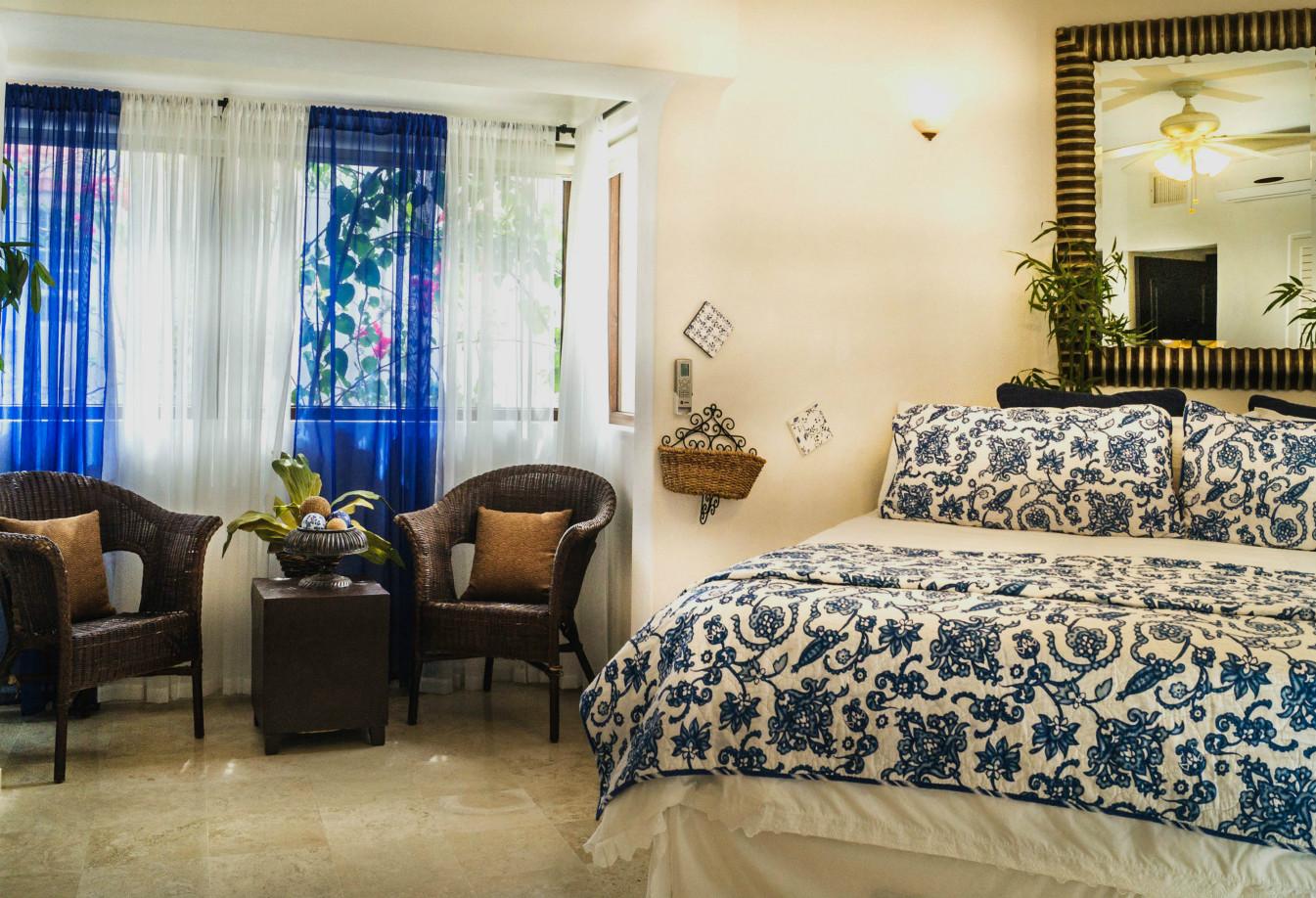 Royal Palms condo rentals