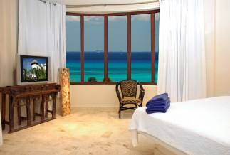 Porto Playa Condo Hotel